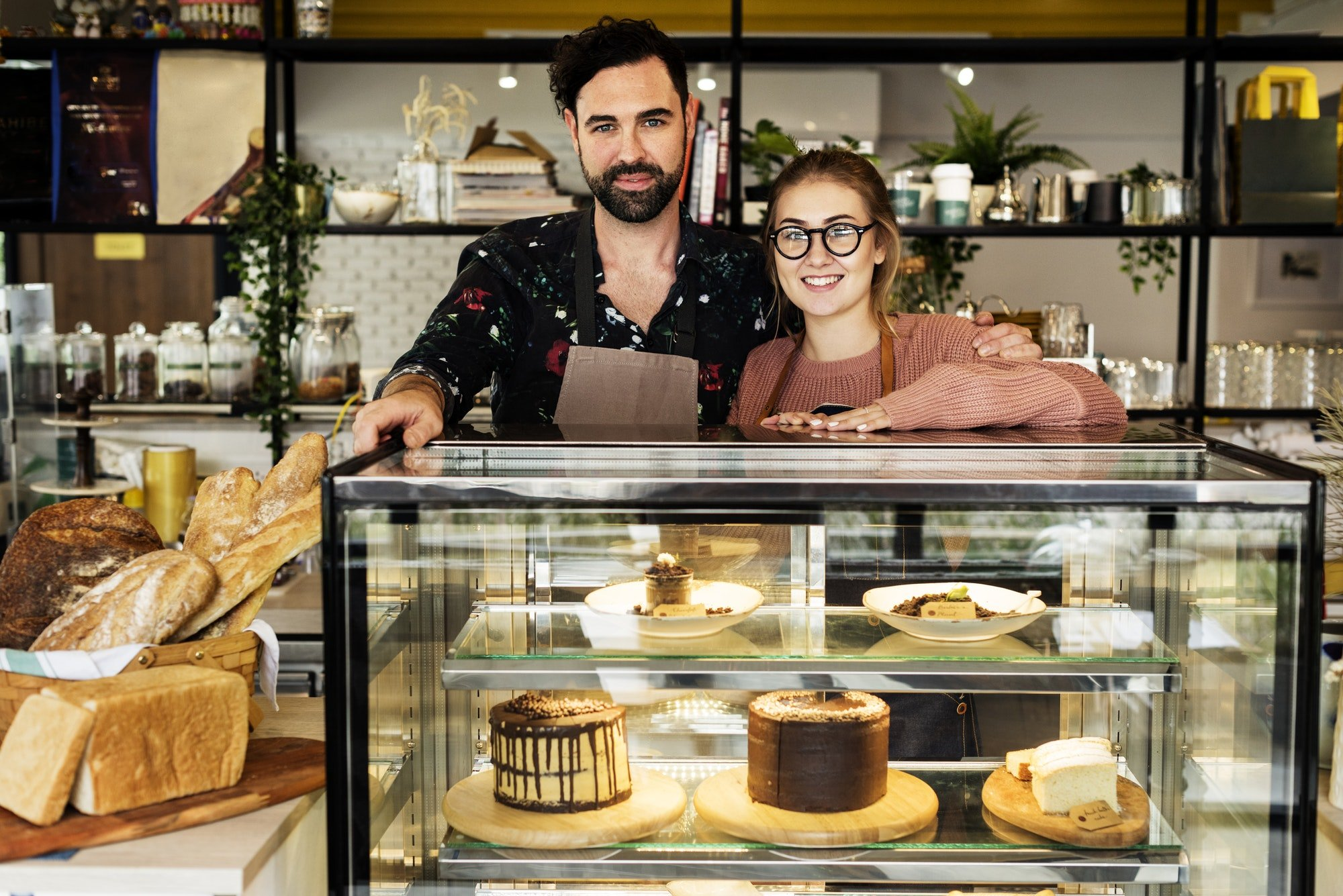 Cake cafe small business owners